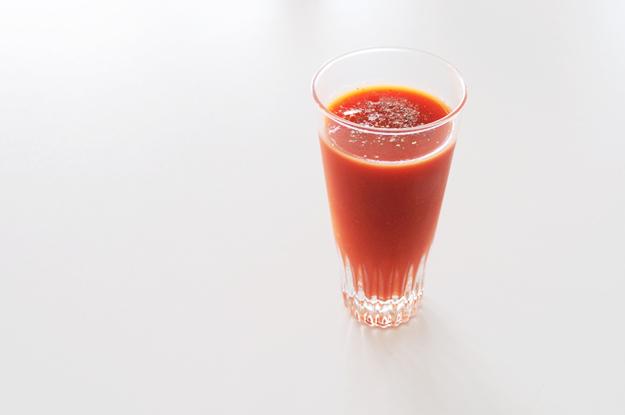 トマトジュース(レッドアイ)に胡椒を入れると美味しいらしいので試してみた!
