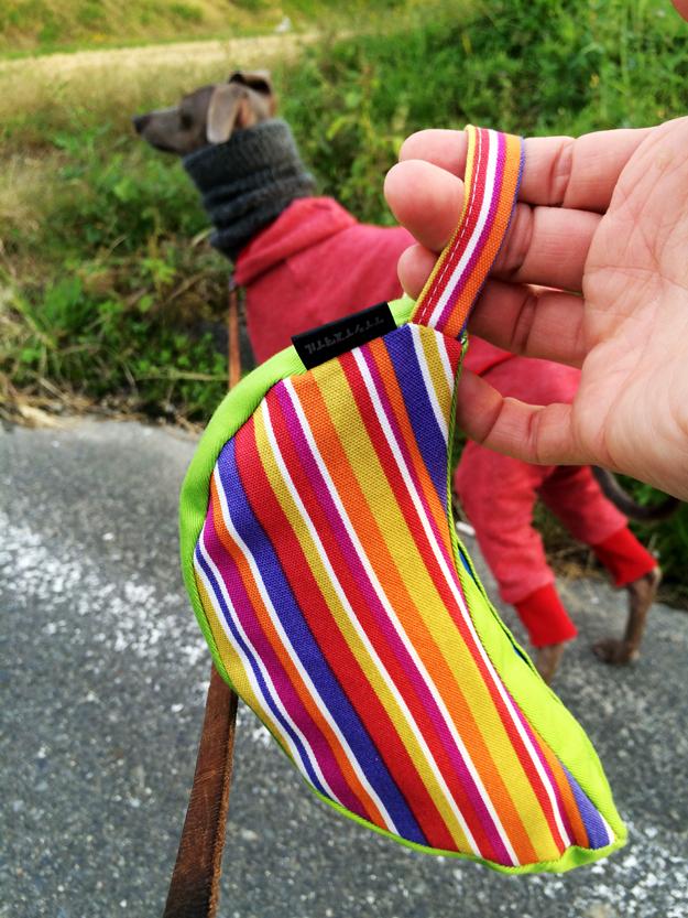 愛犬の散歩中のウンチどうしてる?我家は「マナーポーチ」に入れてる。produced by ケイシイスタイル