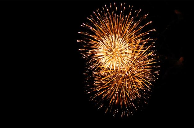 静かな花火を観て涙する。淡路島の花火大会と夕焼け空|慶野松原花火大会
