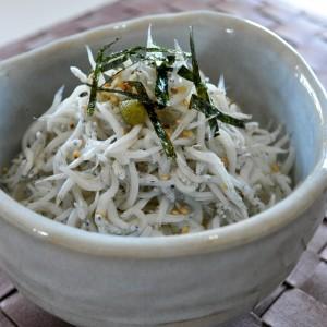 「旬を食す」目の前の海でとれた淡路島のシラス!丹波篠山の枝豆!安くて旨い!