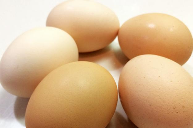 めっちゃ簡単!!卵を5コ使った「ふわふわ半熟オムライス」と「昔ながらの硬めのオムライス」を作ってみた